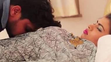 Naughty Bhabhi – HDRip of Hindi Hot Web Series