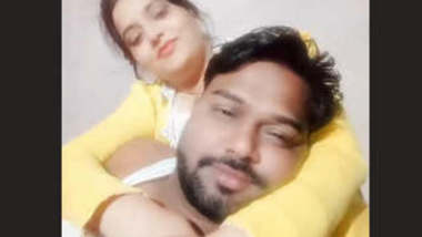 Indian Couple Romance and Pussy Licking new clips part 1