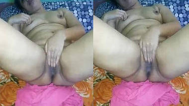 sexy wife boob and pussy capture by hubby