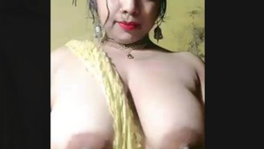 Tanker bhsbi show her big boob