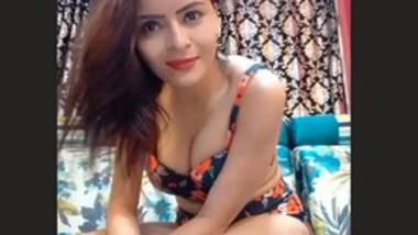 Gehana Vasisth's Sexy Live