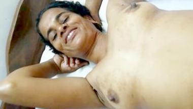 Desi sexy village aunty show her sexy pussy