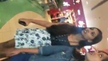 Mumbai girls upskirt video