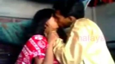 Indian hot sex video of a desi guy having fun with his amateur sister in law