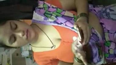 hot housewife bhabhi janaki hot milky cleavage show in saree