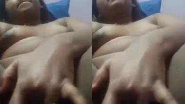 Horny bahbi Fingering