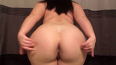 Milky Skin Babe Showing Her Beautiful Ass