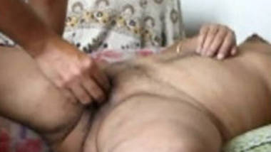 South Indian Desi wife hard finging n pussy lick