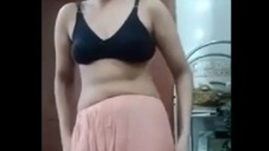 Pakistani wife ambreen chaudhary 2