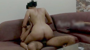 Desi couple fucking on sofa & recording their fuck