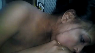 Punjabi desi bhabhi gives the perfect blowjob!
