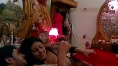 Lucknow mai miya bibi ki suhagraat pe bur chudai mms