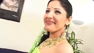 Harami aunty aur bhanje ke naughty fuck ka family porn