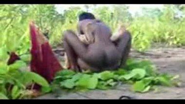 Village ke khet mai Bihari labor girl ko kisaan ne choda