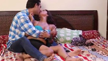 Garam desi bhabhi Indian masala b-grade xxx foreplay sex download