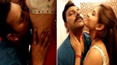 Sexy saree Indian girl give hot desi foreplay