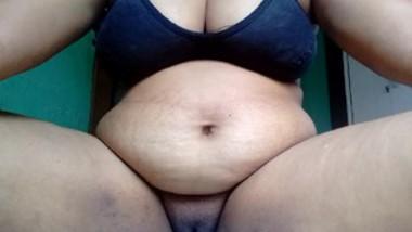 Desi bhbai big pussy fingering selfie cam video