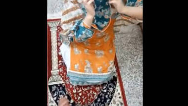 Pk cute bhabi shy ,devar bhabi mast video-2