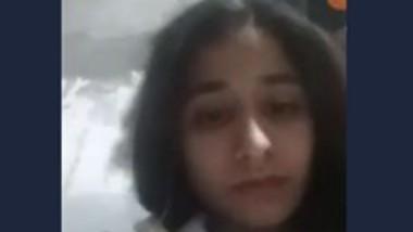 Desi girl show her boob nipple video call 2