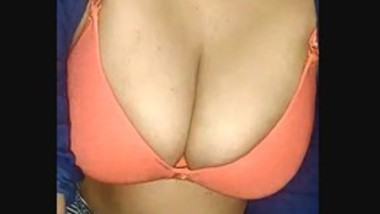 Sexy booby bhabi
