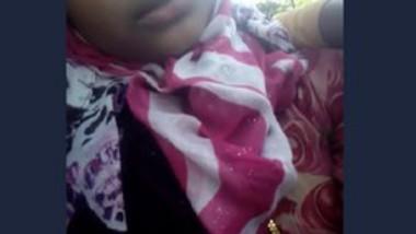 Desi girl boobs sucked by boyfriend clip