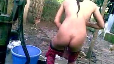 XXX Porn: Bangla desi shameless village cousin - Nupur bathing outdoor