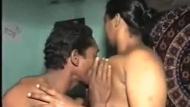 Desi girl xxx video com! Indian aunty fuck
