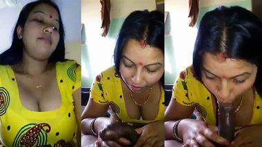 XXX clip: Desi Punjabi Bhabhi In Yellow Salwar Suit Blowjob