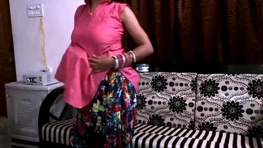 Housewife is so XXX for Desi cameraman that he is already melting filming Bhabhi