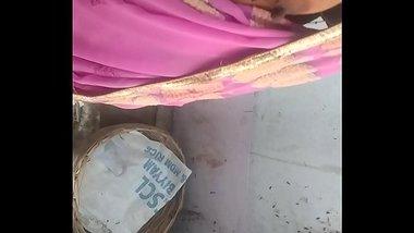 Saggy Boobs Of Bhojpuri Housewife
