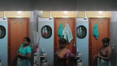 Student sets the hidden camera to film Desi XXX video of neighbor