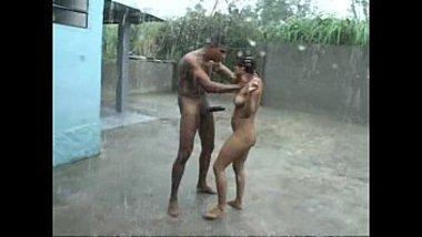 Indian private sex! Fuck in the XXX rain in public