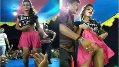 Lovely Indian performer got drunk and went out on the stage for dancing