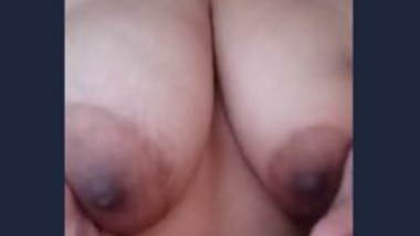 Desi bhabi show her boob nipple and fingering pussy