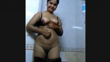 Bangladeshi Married Bhabi Make Nude Video for lover