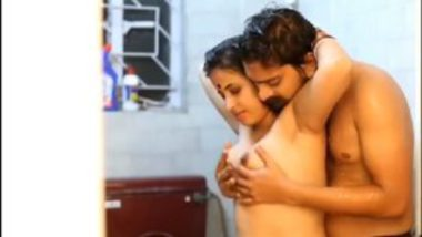 Tamil wife pundai fingering video in shower