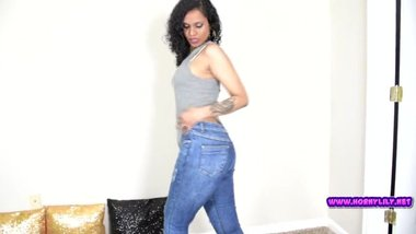 Tamil Housewife Riding Vibrator With Jeans...
