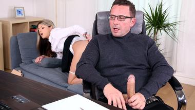 Cutie Gina Gerson accidentally tempts psychotherapist into XXX sex