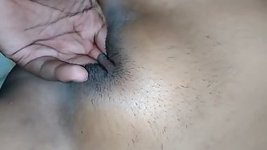 Pussy fingering is XXX thing that should help Desi girl turn on