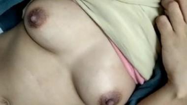 Desi cute bhabi show her big boobs