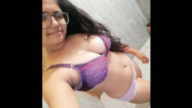 Big Booby Super Cute Sri Lankan Girl with Specs Leaked Videos Part 2