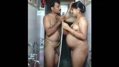 Pregnant lady bath with husband