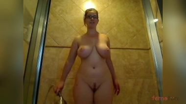 Sexy Desi52 girlfriend flaunts her curves and charms when bathing