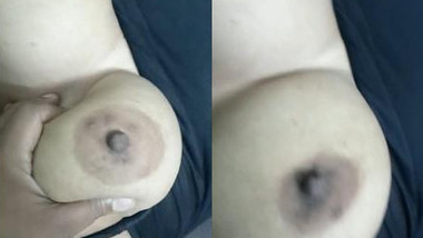 Man begins sex with chubby Desi GF by touching her tits and XXX muff