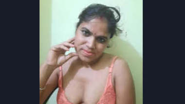 Indian Hot Horny Bhabhi Masturbating