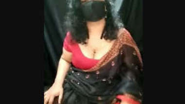Hot Mallu Bhabi on Cam Show Big Asss Tease
